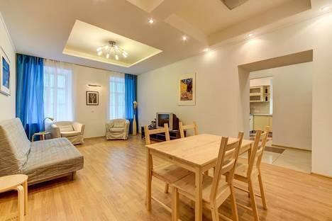 Сдается 3-комнатная квартира посуточнов Санкт-Петербурге, ул. Большая Морская, 17.