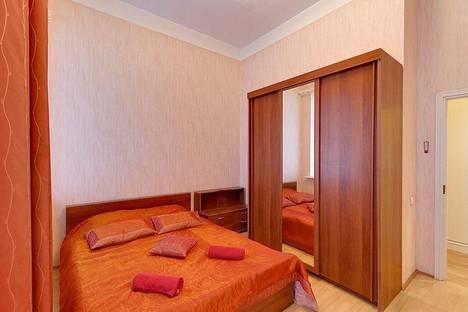 Сдается 4-комнатная квартира посуточно в Санкт-Петербурге, набережная реки Мойки, 14.
