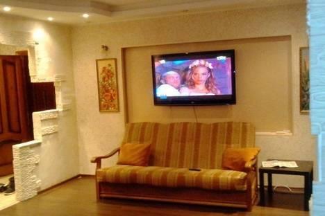 Сдается 2-комнатная квартира посуточно в Первоуральске, Трубников, 44.