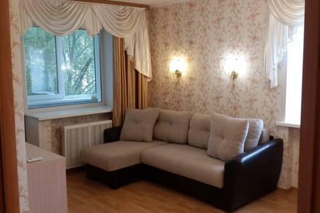 Сдается 1-комнатная квартира посуточно в Ярославле, пр-т Ленина, д. 36а.