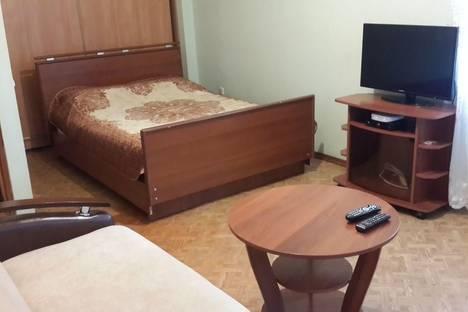 Сдается 1-комнатная квартира посуточно в Ярославле, ул. Салтыкова-Щедрина, д. 23.