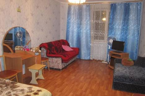 Сдается 1-комнатная квартира посуточно в Щелкином, Ленинский район, 44а.