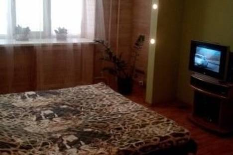 Сдается 1-комнатная квартира посуточнов Энгельсе, Петровская улица, д. 88.