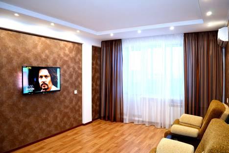 Сдается 2-комнатная квартира посуточно в Набережных Челнах, проспект Раиса Беляева, 76.