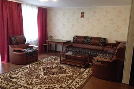 Сдается 2-комнатная квартира посуточно, ул. Одоевского, 28.