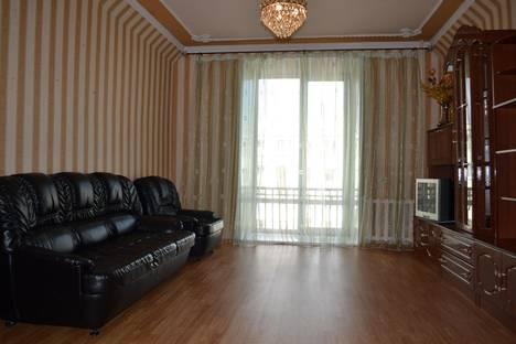 Сдается 3-комнатная квартира посуточно в Челябинске, Цвилинга 38.