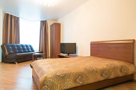 Сдается 1-комнатная квартира посуточнов Берёзовском, Кузнечная ,83.