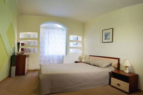 Сдается 2-комнатная квартира посуточно в Перми, Пушкина, 109.