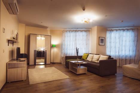 Сдается 2-комнатная квартира посуточно в Перми, Бульвар Гагарина, 65а, этаж 9.