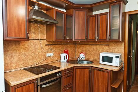 Сдается 1-комнатная квартира посуточнов Тюмени, Орджоникидзе д16 к1.