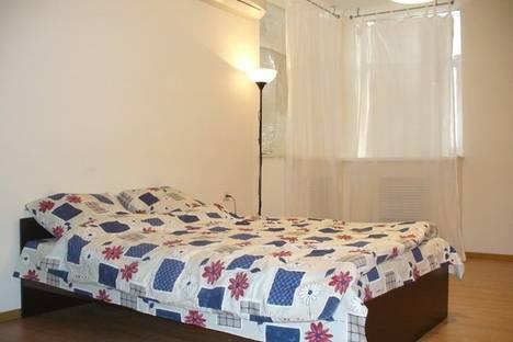 Сдается 4-комнатная квартира посуточно в Ростове-на-Дону, ул.М.Горького д.15.