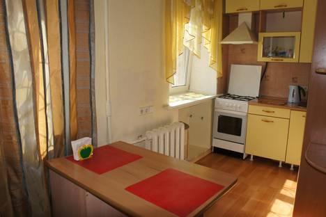 Сдается 2-комнатная квартира посуточнов Омске, ул. Ленина,40.