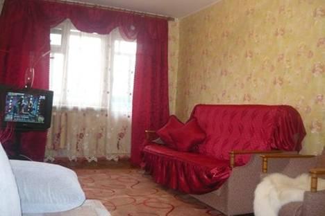 Сдается 2-комнатная квартира посуточнов Кургане, ул.Карельцева.