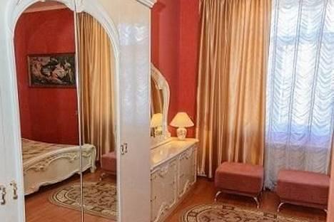 Сдается 1-комнатная квартира посуточнов Екатеринбурге, ул. Автономных Республик, 57.