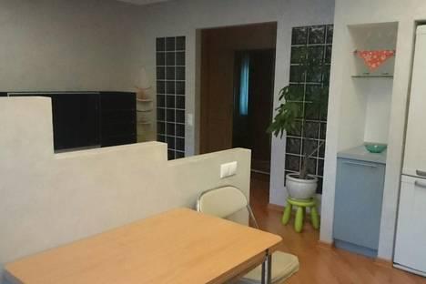 Сдается 2-комнатная квартира посуточнов Вологде, ул. Ленинградская, 93.