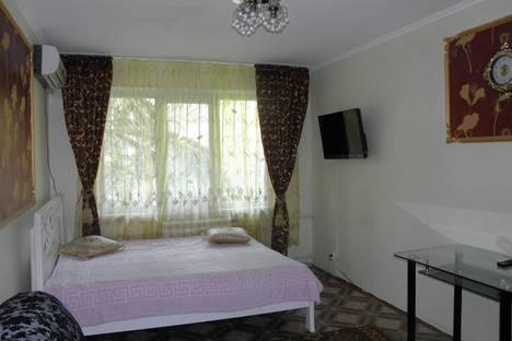 Сдается 1-комнатная квартира посуточно в Алуште, 50 лет Октября ул., 6.