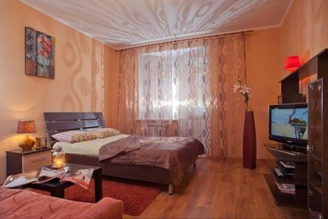 Сдается 2-комнатная квартира посуточнов Волжском, ул. Академика Королёва, 2.