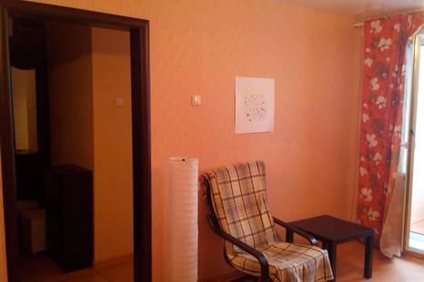 Сдается 1-комнатная квартира посуточно в Новосибирске, Линейная, 33/1.