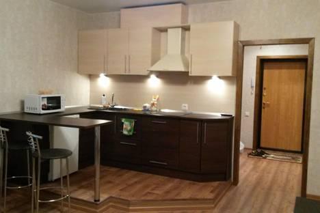 Сдается 1-комнатная квартира посуточно в Гатчине, Хохлова 8.