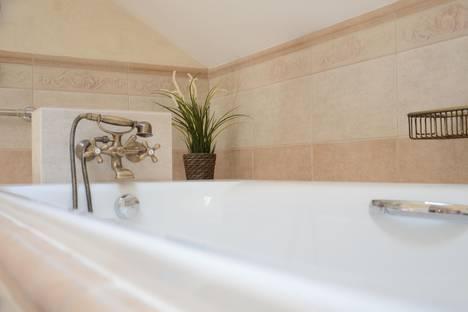 Сдается 5-комнатная квартира посуточно в Железноводске, ул. Михальских, дом 4.
