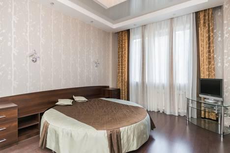 Сдается 2-комнатная квартира посуточнов Кстове, Студёная 68 а.