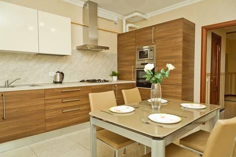 Сдается 2-комнатная квартира посуточно в Нижнем Новгороде, ул. Тверская, 5а.