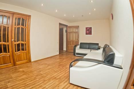 Сдается 2-комнатная квартира посуточно в Нижнем Новгороде, Гагарина 21.