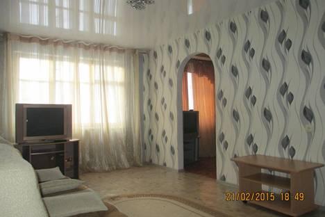 Сдается 2-комнатная квартира посуточно в Орске, проспект Ленина 10.