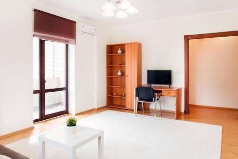 Сдается 2-комнатная квартира посуточнов Тюмени, ул. Максима Горького, 68.