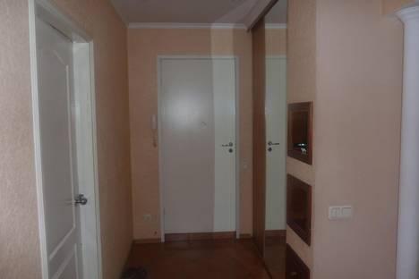 Сдается 3-комнатная квартира посуточно в Красноярске, ул. Дорожная, 6Б.