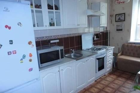 Сдается 2-комнатная квартира посуточно в Ильичёвске, улица Ленина, 39,.