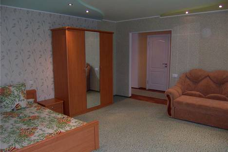 Сдается 1-комнатная квартира посуточно в Славянске, ул. Ленина, 33.