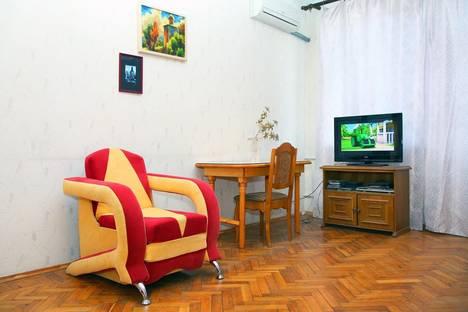 Сдается 3-комнатная квартира посуточно в Волгограде, ул. Аллея Героев, 1.