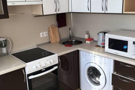Сдается 1-комнатная квартира посуточно в Благовещенске, ул. Ленина, 80.
