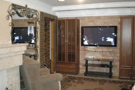 Сдается 2-комнатная квартира посуточнов Партените, ул . Победы дом 13.