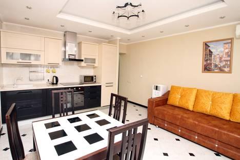 Сдается 2-комнатная квартира посуточно в Адлере, ул. Просвещения 84.