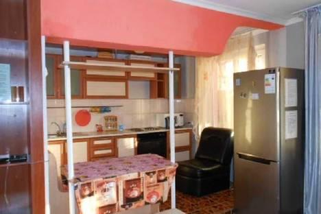 Сдается 2-комнатная квартира посуточно в Усть-Каменогорске, Красина 1/1.