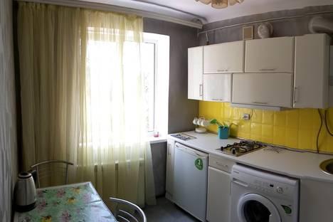 Сдается 2-комнатная квартира посуточно, Ленина 39.