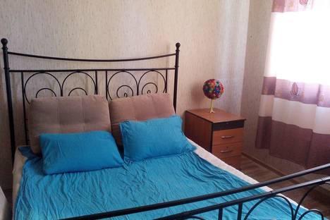 Сдается 1-комнатная квартира посуточно в Подольске, ул. Генерала Варенникова, 4.