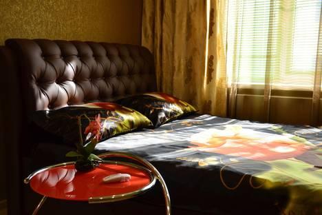 Сдается 2-комнатная квартира посуточнов Волжском, Проспект Ленина 104.