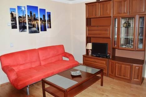 Сдается 1-комнатная квартира посуточнов Екатеринбурге, ул. Большакова, 21.