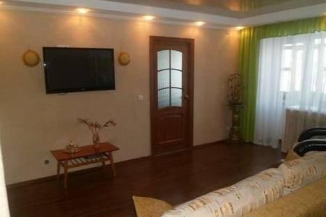 Сдается 3-комнатная квартира посуточно в Ижевске, Кирова, 115.