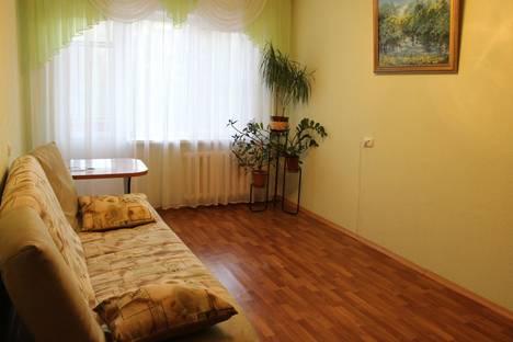 Сдается 3-комнатная квартира посуточно в Саранске, проспект 70 лет Октября, 116.