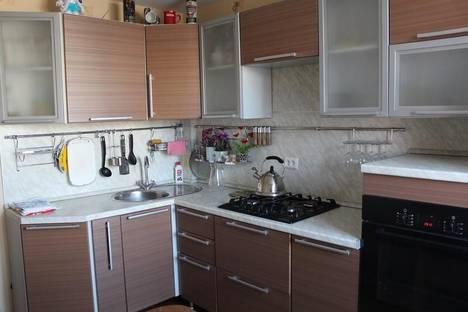 Сдается 2-комнатная квартира посуточно в Балакове, ул. Заречная, 8.