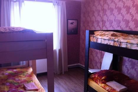 Сдается 3-комнатная квартира посуточно в Ижевске, ул. Зои Космодемьянской, 15.