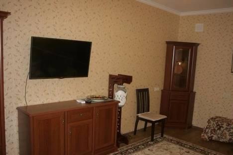 Сдается 3-комнатная квартира посуточно в Севастополе, Ломоносова, 5.