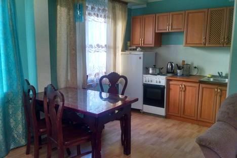 Сдается 3-комнатная квартира посуточно в Улан-Удэ, Профсоюзная 42.