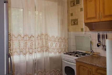 Сдается 2-комнатная квартира посуточно в Хабаровске, ул. Станционная, 19.