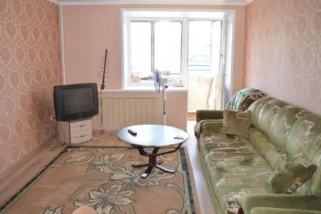 Сдается 3-комнатная квартира посуточно в Курске, ул. Сосновская, 5.