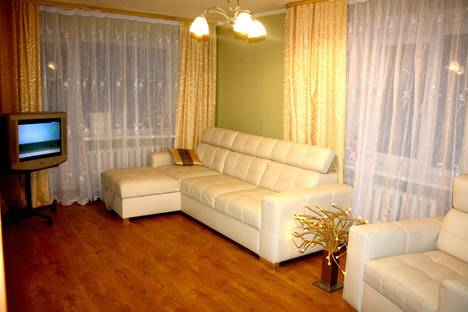 Сдается 2-комнатная квартира посуточнов Калининграде, ул. Подполковника Иванникова, 12.
